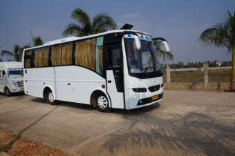 18/19 Seater Executive Bus A/C