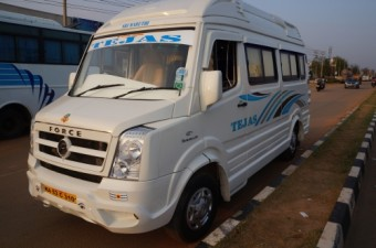 12/13 Seater Tempo Traveller  Executive A/C
